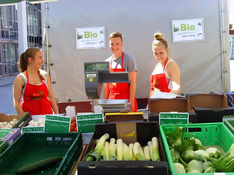 Bio-Waren auf dem Wochenmarkt (Foto: Stadt Gersthofen)